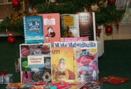 Vánoce se blíží, kdo čte, ten dárky sklízí